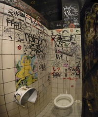 Graffiti Toilet 06