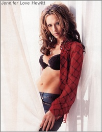 Jennifer Love Hewitt 23