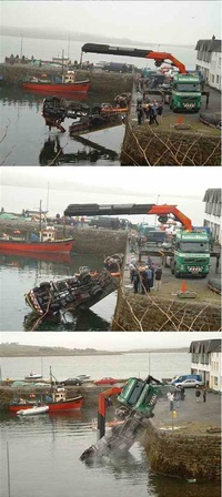 Crane Towing Crane Fail