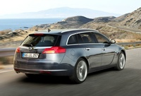 2009 opel insignia sports tourer rear view