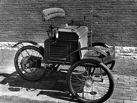 1896 - Riker Electric Tricycle
