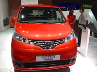Nissan NV200 Evalia - front view