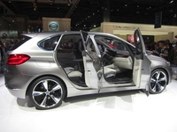BMW Concept Active Tourer - side open doors