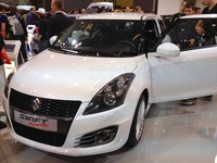 Suzuki Swift Sport - front view