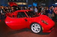 Alfa Romeo 4C red - side view
