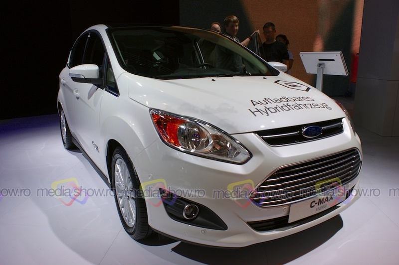 Ford C-MAX Energi - frontal view