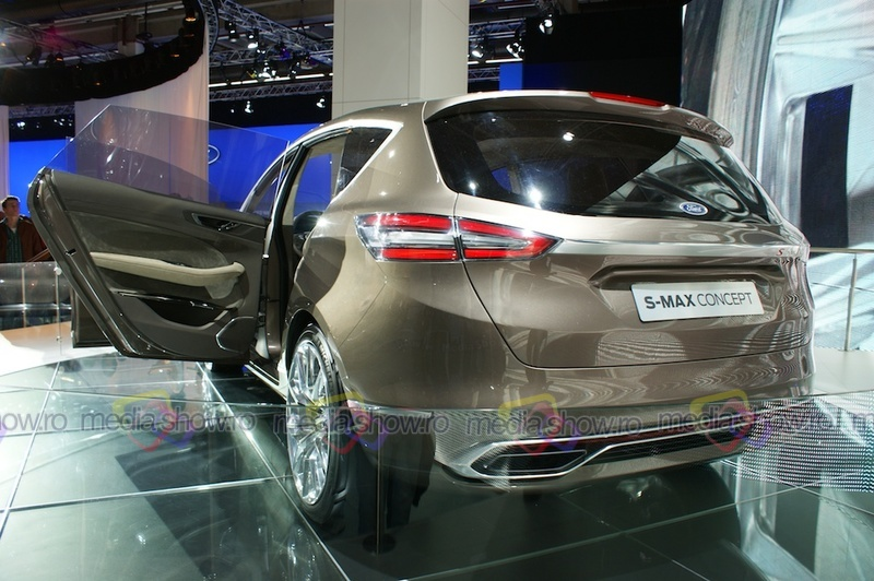 Ford S-MAX Concept 2013 - rear angle view