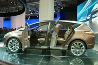 Ford S-MAX Concept 2013 - side view open doors