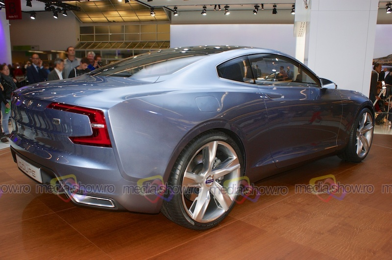 Volvo Concept Coupe - rear angle view