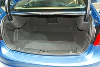 Volvo S 60 T6 - trunk load