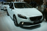 Volvo V 40 Cross Country - frontal view