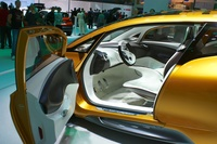 Renault R-Space - open door