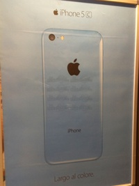 2013 - iPhone 5C in Italy - Largo al colore