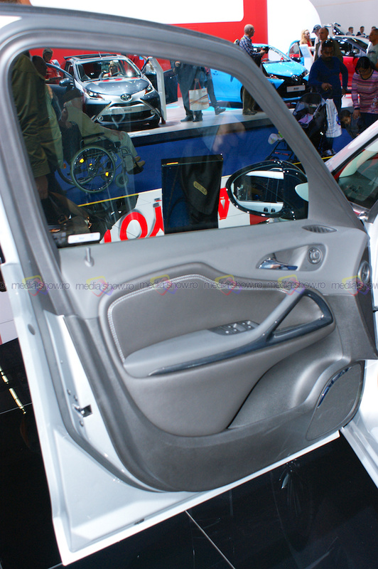 Opel Combo - Frontal Door