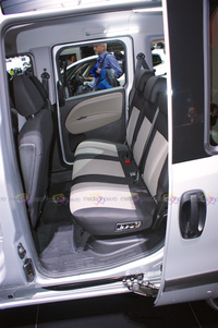 Opel Combo - Rear Seats with Sliding Door