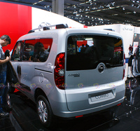 Opel Combo - Rear View