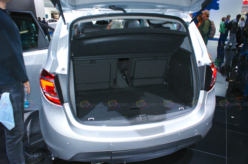 Opel Meriva WiFI Ready - Trunk Load