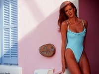 Angie Everhart 01