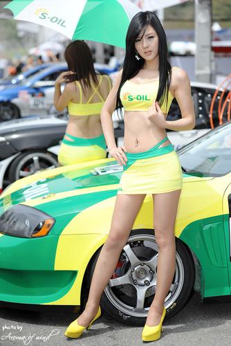 эротические фото азиаток в мини юбках